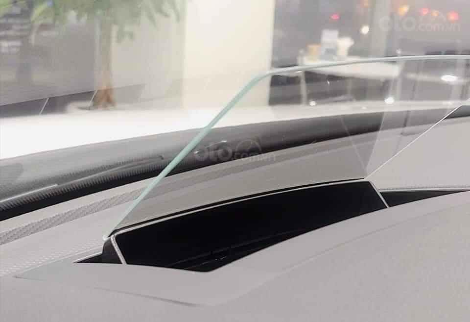 VW Trường Chinh- SUV 7 chỗ đang có giá đặc biệt Tiguan Luxury S 2021 màu đen giao ngay, tặng iphone 12 + phụ kiện+ tiền (15)