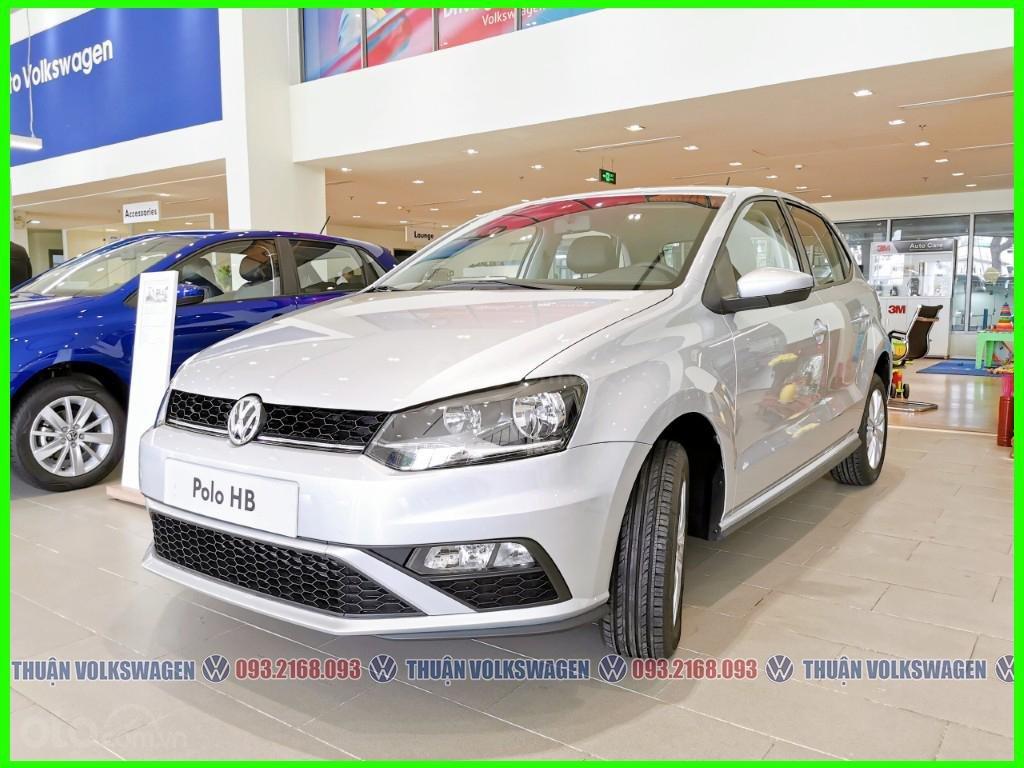 Xe đô thị, giá hợp lý Volkswagen Polo Hatchback 2021 màu Silver Metallic nhập nguyên chiếc giao ngay, khuyến mãi hấp dẫn (2)