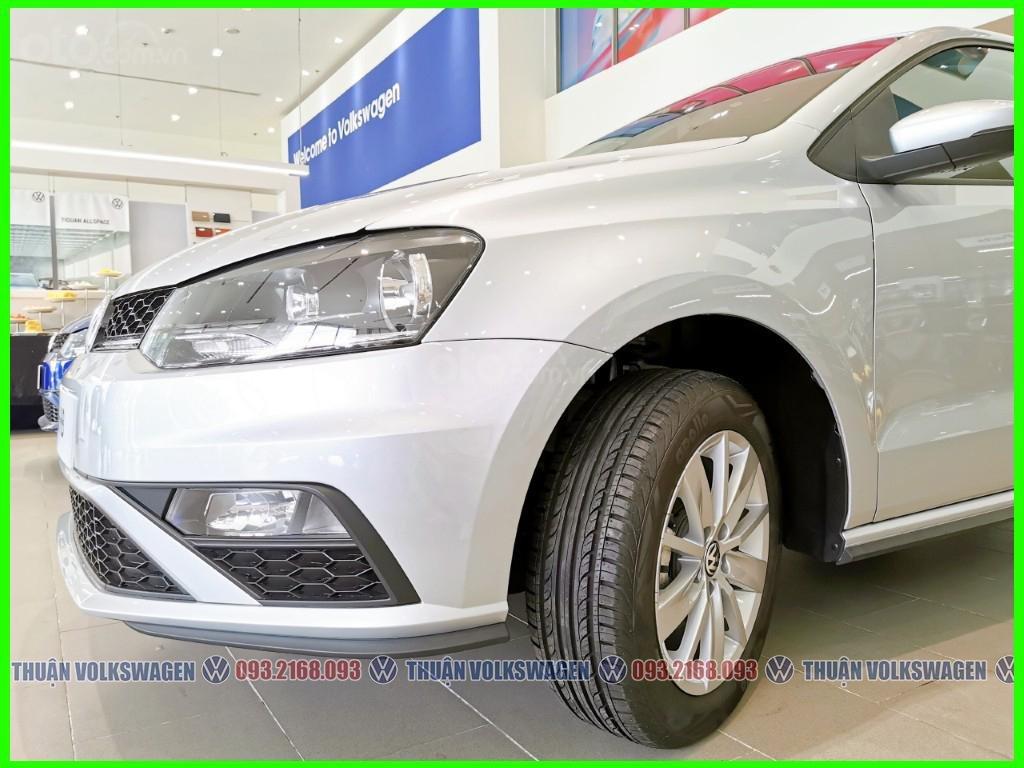 Xe đô thị, giá hợp lý Volkswagen Polo Hatchback 2021 màu Silver Metallic nhập nguyên chiếc giao ngay, khuyến mãi hấp dẫn (4)