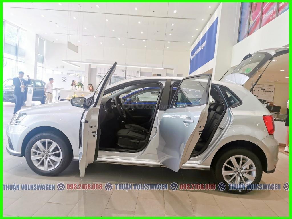 Xe đô thị, giá hợp lý Volkswagen Polo Hatchback 2021 màu Silver Metallic nhập nguyên chiếc giao ngay, khuyến mãi hấp dẫn (9)