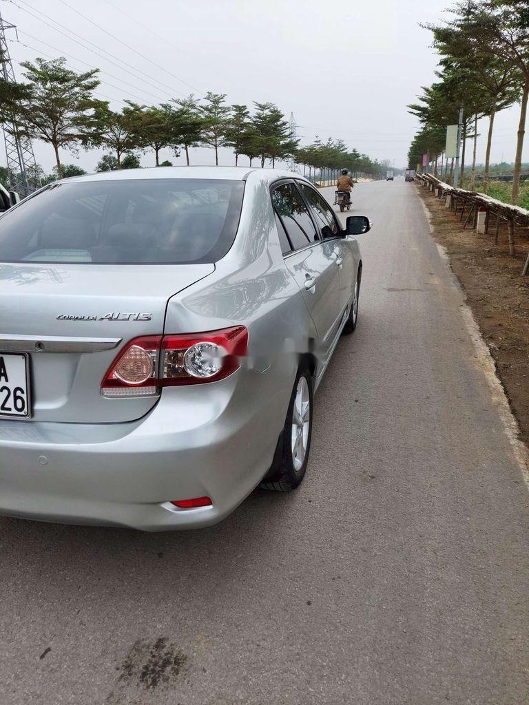 Cần bán xe Toyota Corolla Altis sản xuất năm 2012 còn mới (5)