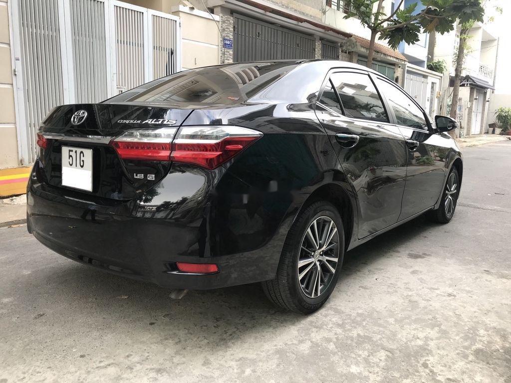 Cần bán lại xe Toyota Corolla Altis năm 2018 còn mới (3)