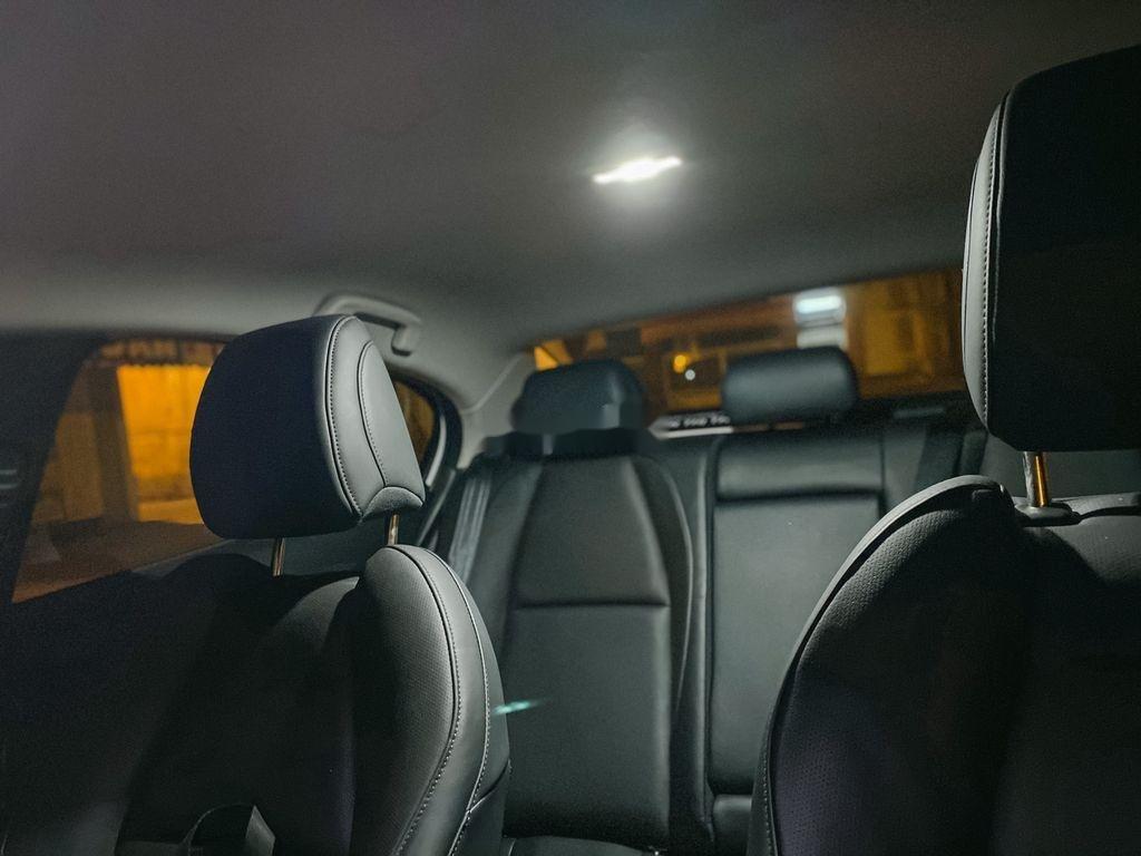 Cần bán lại xe Mazda 3 năm sản xuất 2020, nhập khẩu còn mới (10)