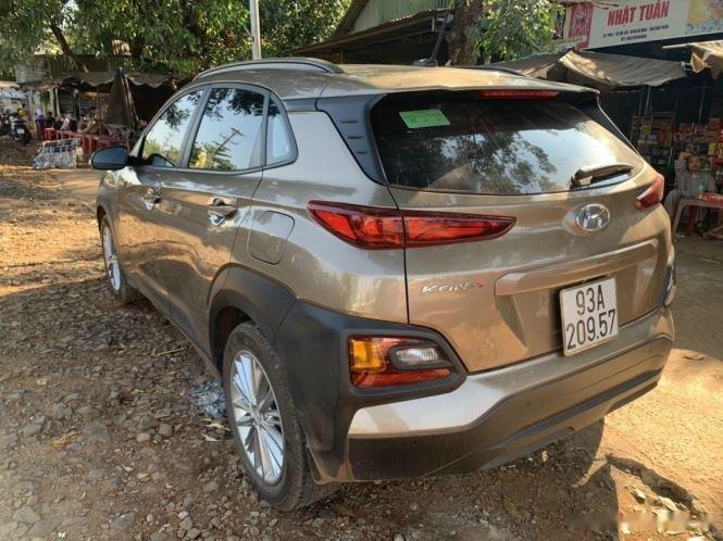 Bán xe Hyundai Kona đời 2020, màu nâu chính chủ (6)