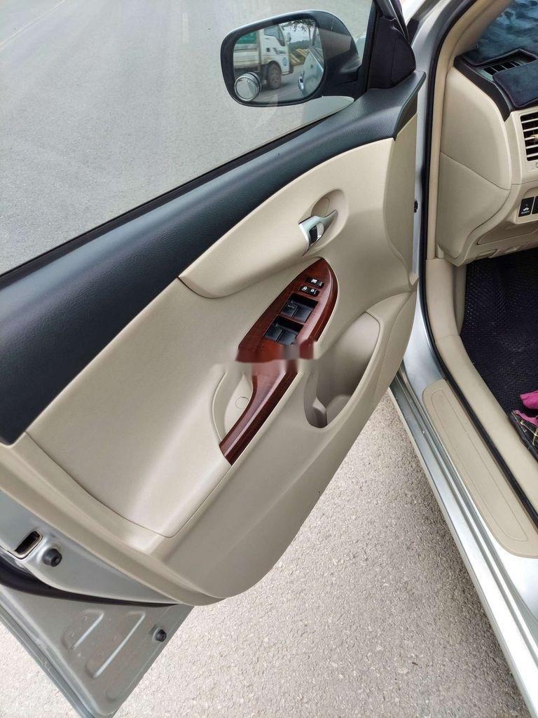 Cần bán xe Toyota Corolla Altis sản xuất năm 2012 còn mới (9)