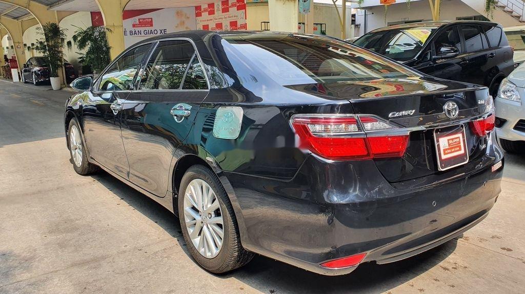 Bán Toyota Camry sản xuất năm 2019 còn mới (10)