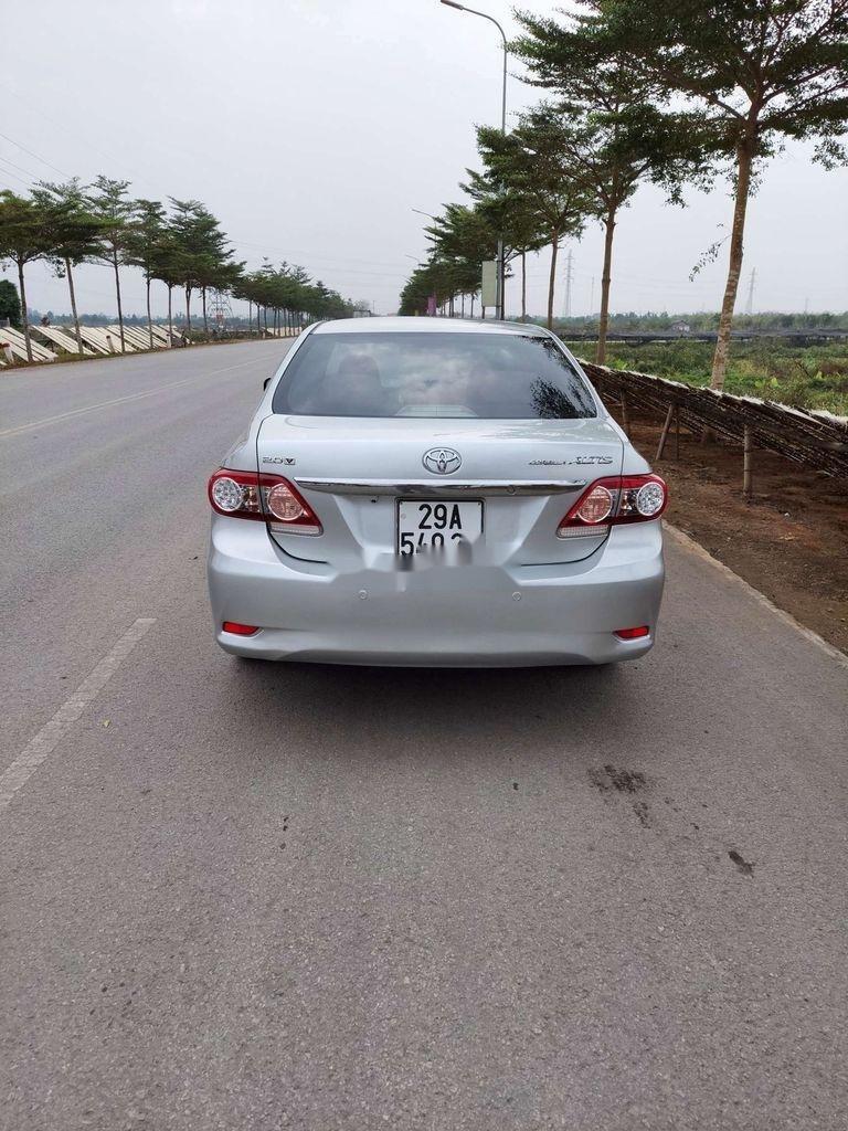 Cần bán xe Toyota Corolla Altis sản xuất năm 2012 còn mới (2)