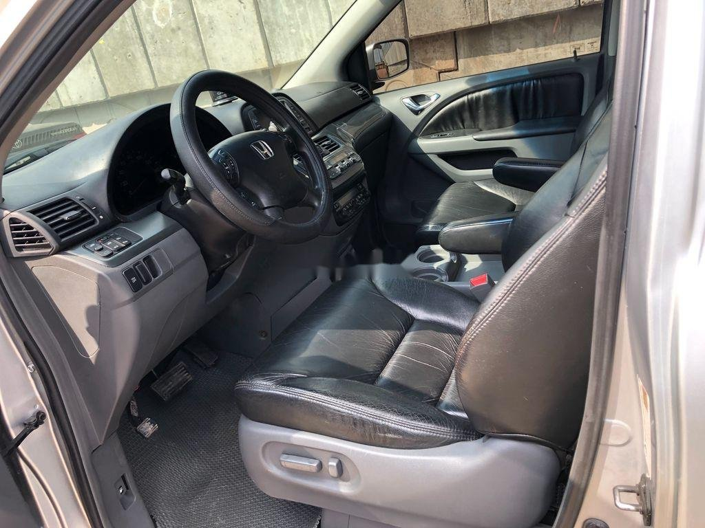 Cần bán xe Honda Odyssey sản xuất năm 2005, xe nhập còn mới (6)