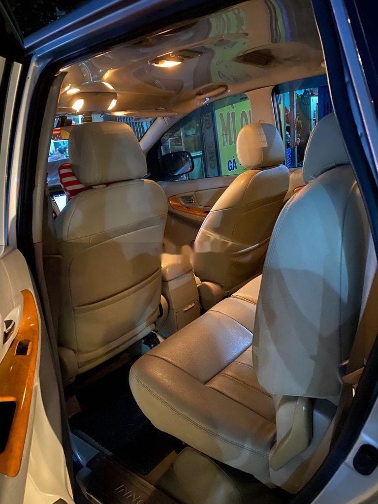 Cần bán gấp Toyota Innova sản xuất 2010 còn mới, 278 triệu (9)