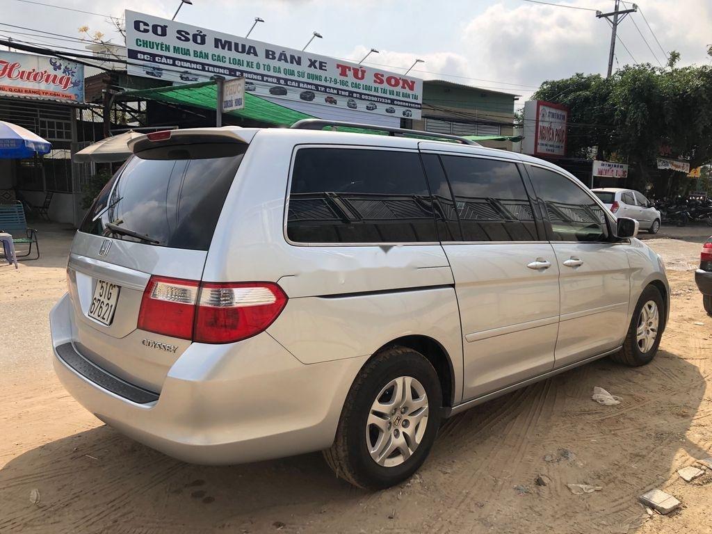 Cần bán xe Honda Odyssey sản xuất năm 2005, xe nhập còn mới (4)