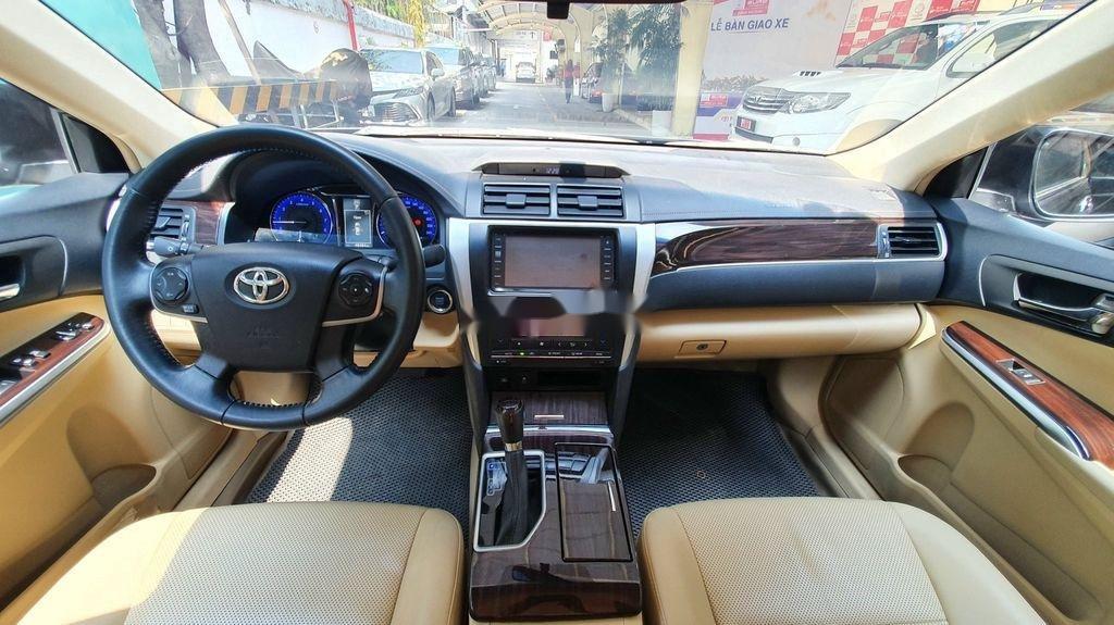Bán Toyota Camry sản xuất năm 2019 còn mới (5)