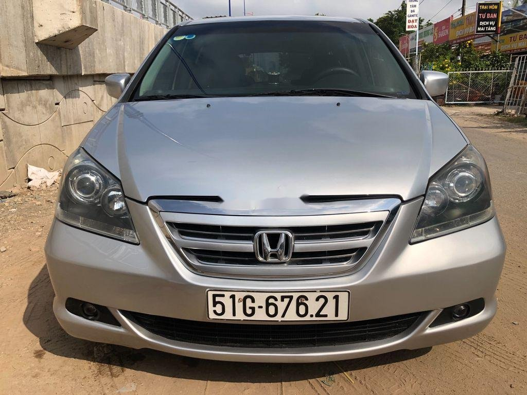 Cần bán xe Honda Odyssey sản xuất năm 2005, xe nhập còn mới (1)