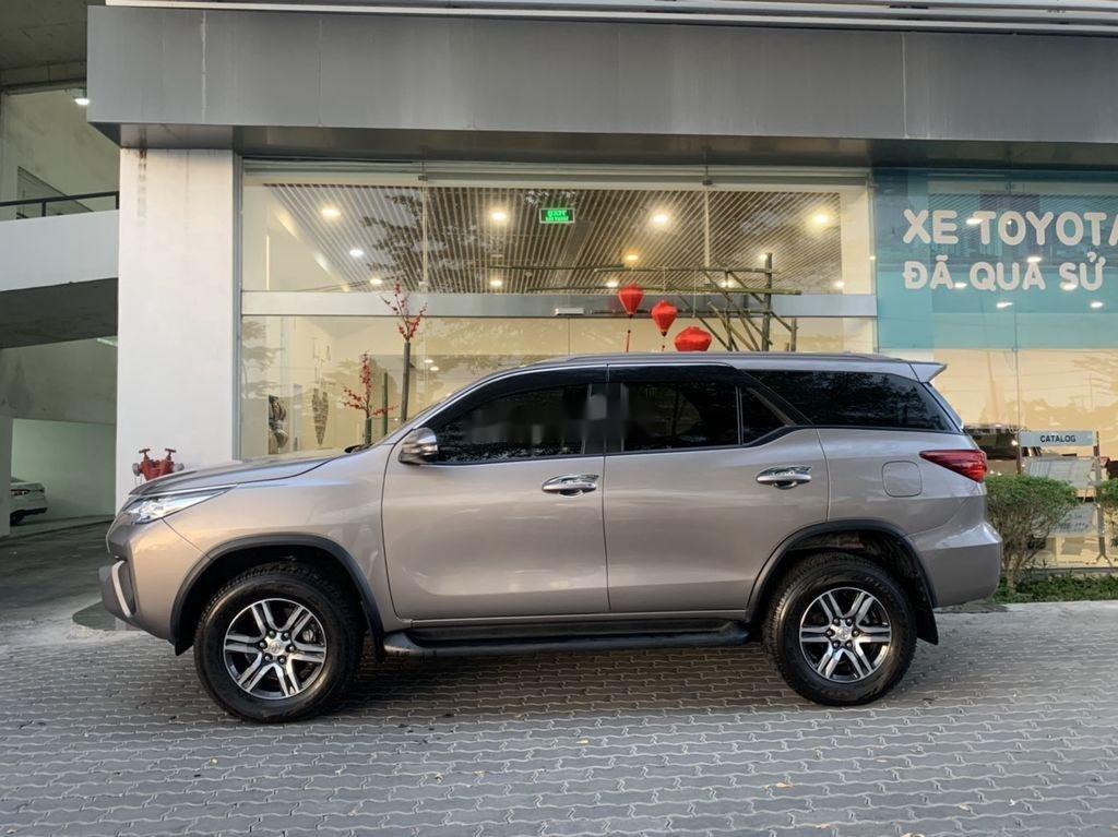 Bán xe Toyota Fortuner đời 2019, màu xám chính chủ (3)