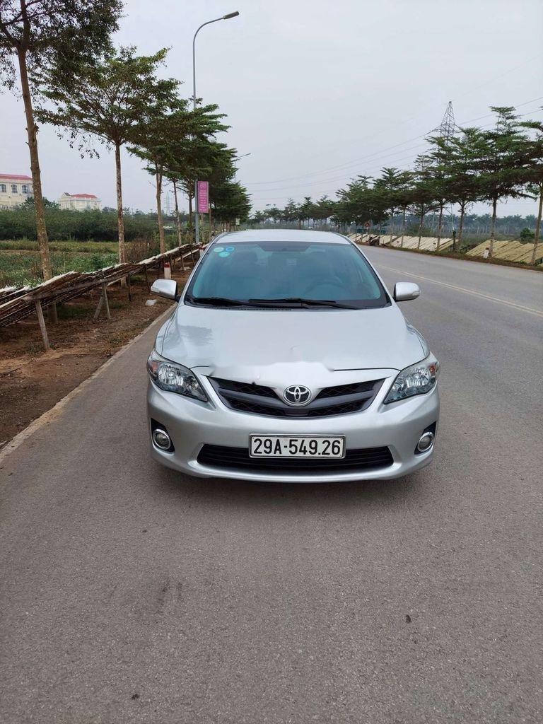 Cần bán xe Toyota Corolla Altis sản xuất năm 2012 còn mới (1)