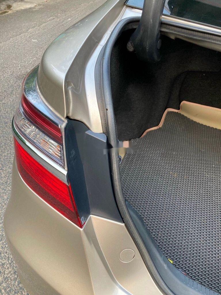 Bán Toyota Camry sản xuất 2017 còn mới, giá 815tr (4)