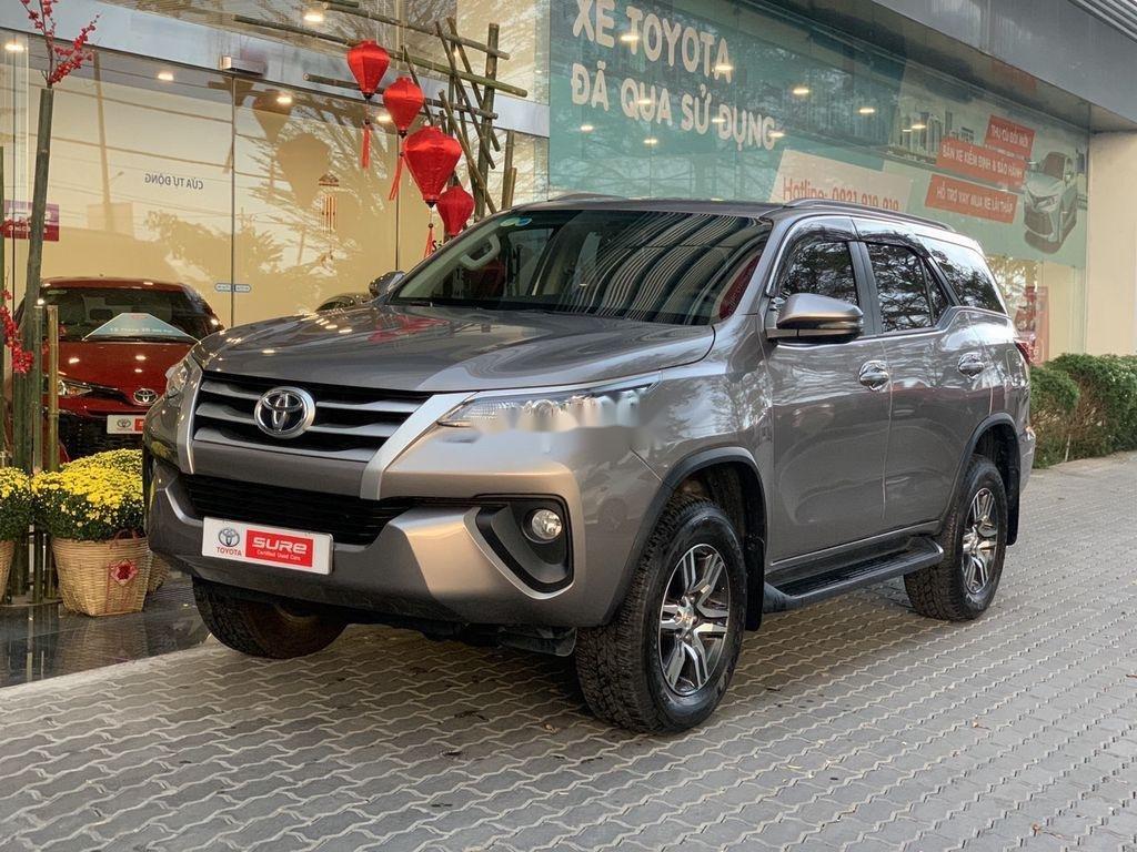 Bán xe Toyota Fortuner đời 2019, màu xám chính chủ (1)