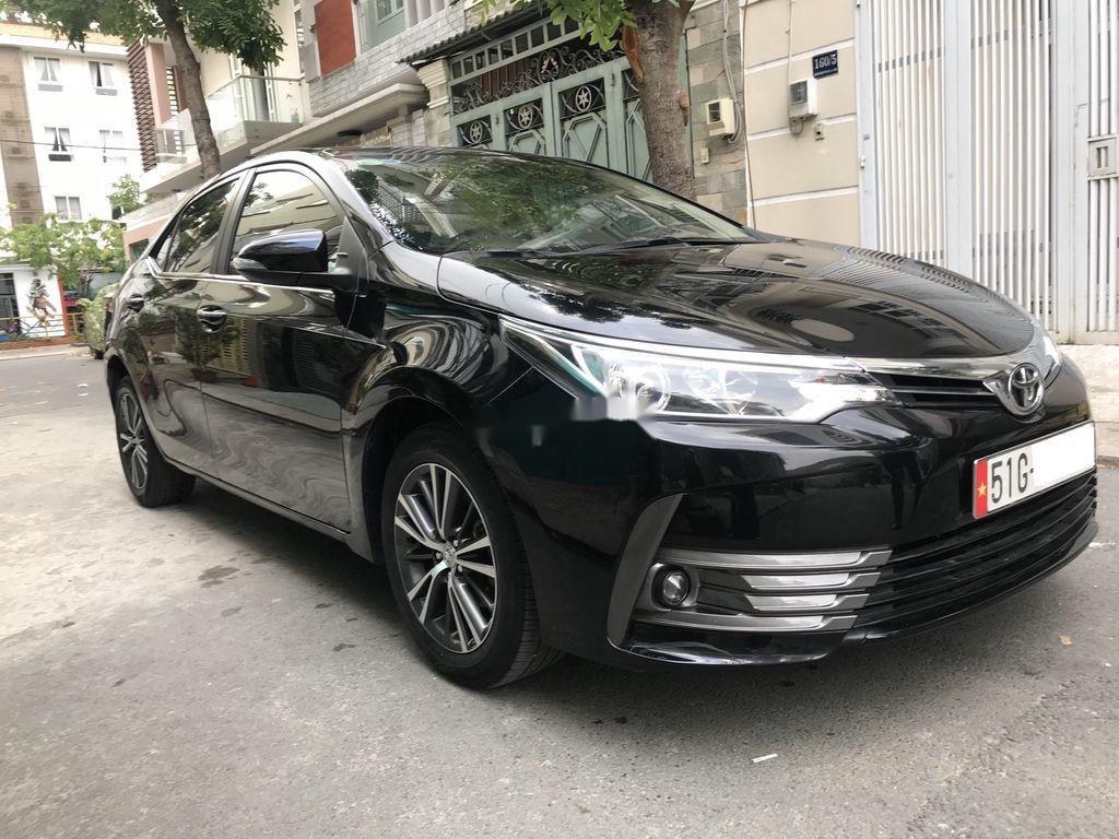 Cần bán lại xe Toyota Corolla Altis năm 2018 còn mới (2)