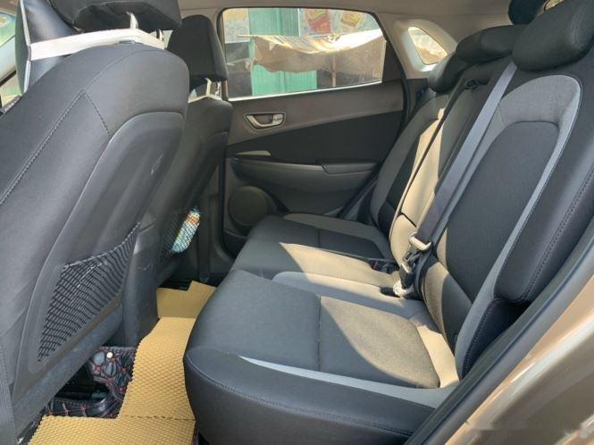 Bán xe Hyundai Kona đời 2020, màu nâu chính chủ (8)