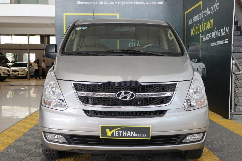 Cần bán xe Hyundai Grand Starex năm 2015, nhập khẩu nguyên chiếc còn mới, giá 636tr (1)