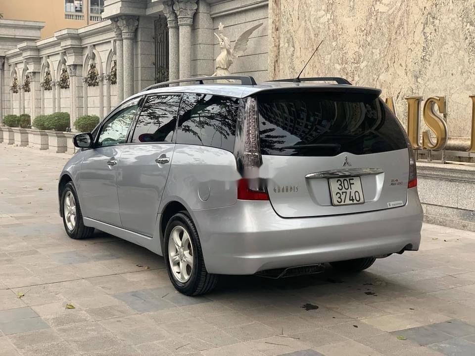 Xe Mitsubishi Grandis sản xuất năm 2011, màu bạc chính chủ, giá 328tr (6)