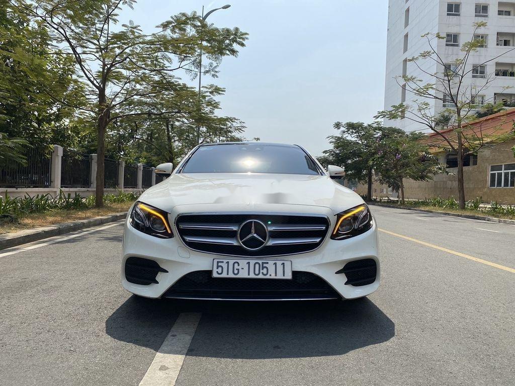 Bán Mercedes E300 AMG năm 2017, xe giá thấp (1)