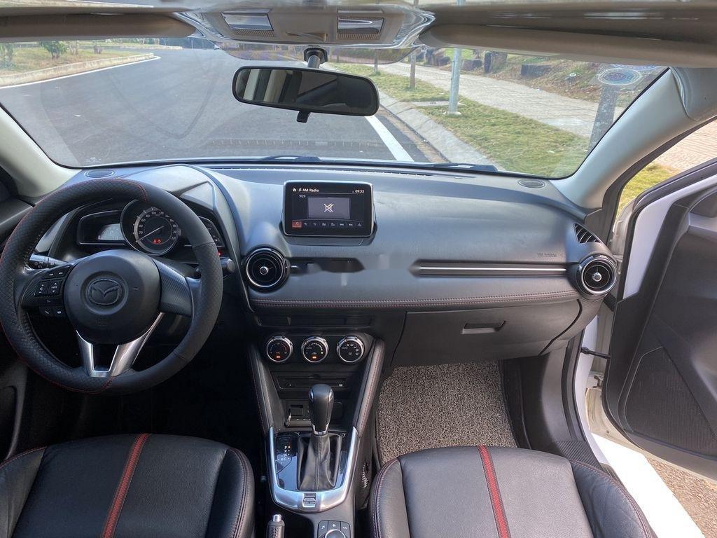 Cần bán gấp Mazda 2 sản xuất năm 2016 còn mới (7)