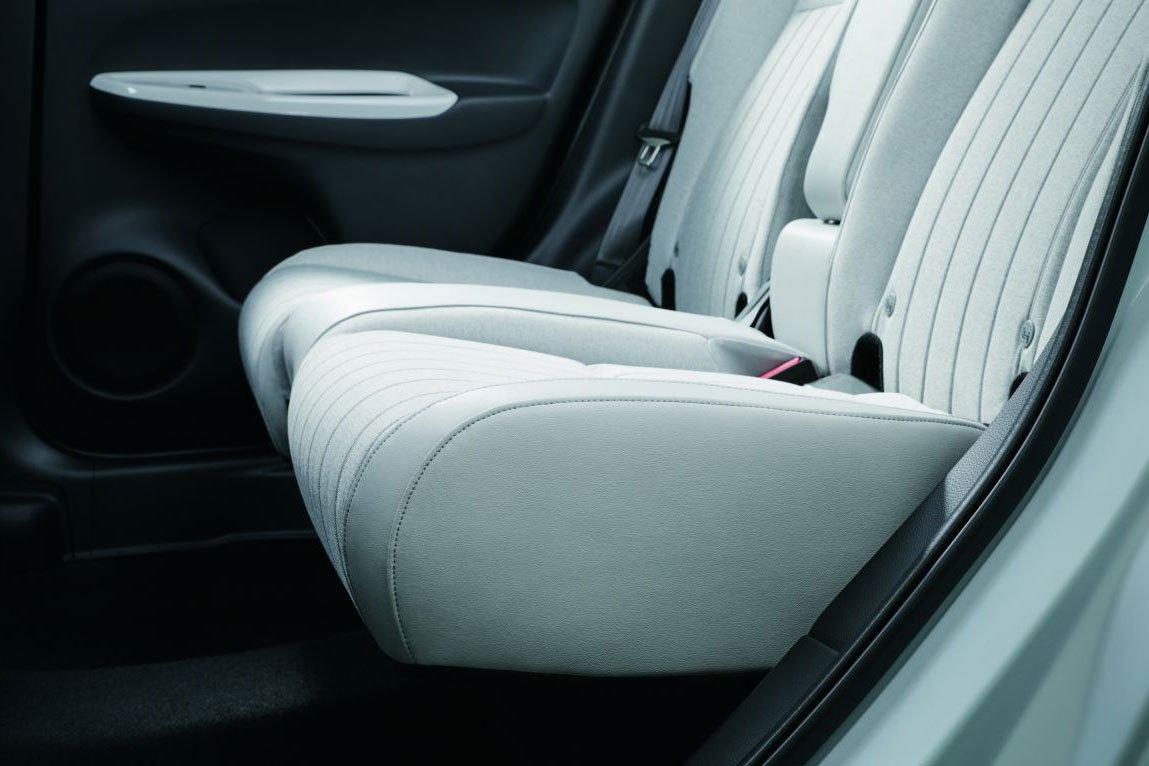 Ghế ngồi bọc da trên xe Honda Jazz 2021 1