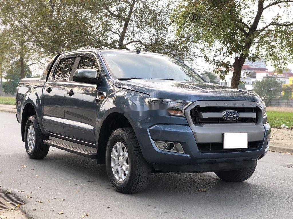 Cần bán xe Ford Ranger XLS 2.2L 4X2 AT sản xuất 2017, nhập khẩu (2)
