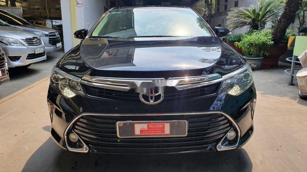 Bán Toyota Camry sản xuất năm 2019 còn mới (2)
