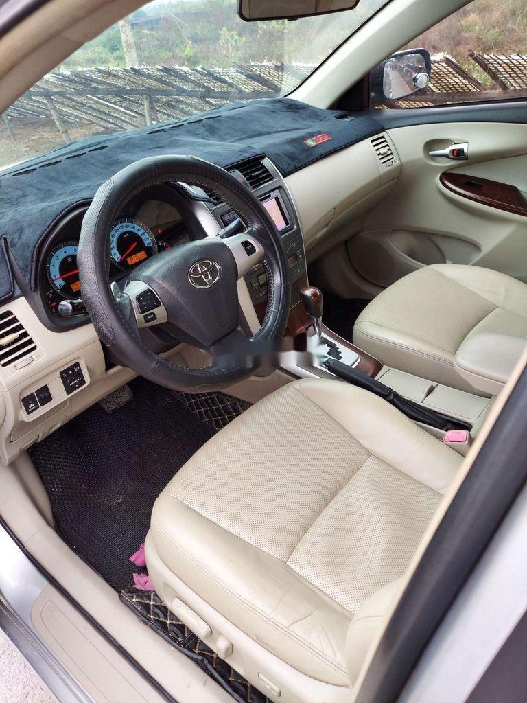 Cần bán xe Toyota Corolla Altis sản xuất năm 2012 còn mới (8)