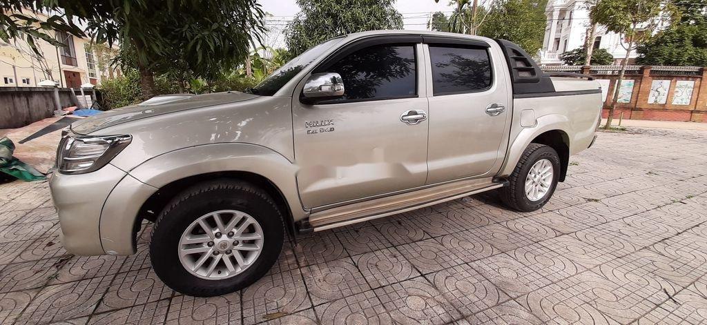 Xe Toyota Hilux sản xuất năm 2015, xe nhập, giá ưu đãi (6)