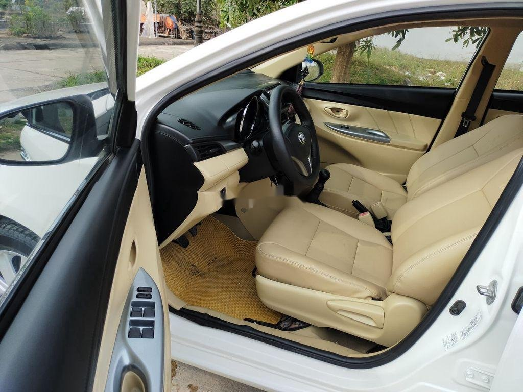 Xe Toyota Vios năm 2015 còn mới, 319tr (4)