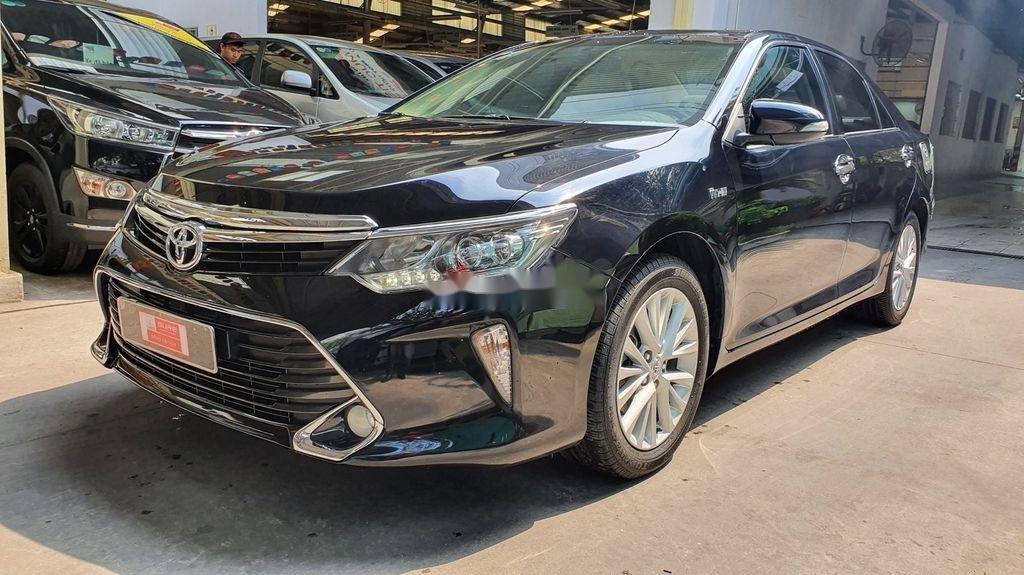 Bán Toyota Camry sản xuất năm 2019 còn mới (3)