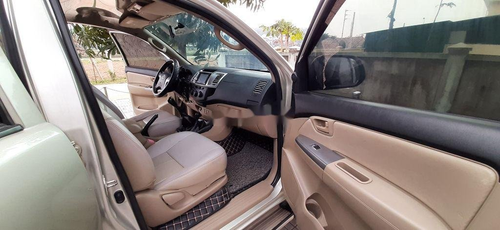 Xe Toyota Hilux sản xuất năm 2015, xe nhập, giá ưu đãi (3)