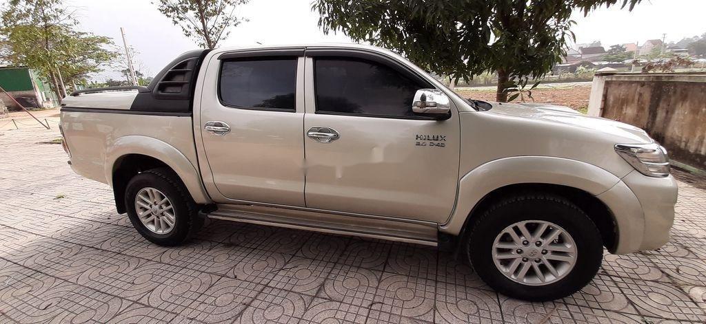 Xe Toyota Hilux sản xuất năm 2015, xe nhập, giá ưu đãi (1)