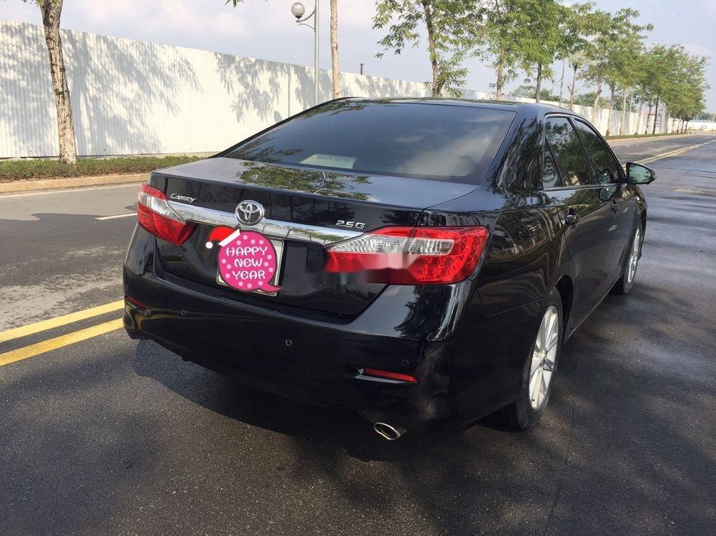 Bán ô tô Toyota Camry sản xuất năm 2013 còn mới (4)