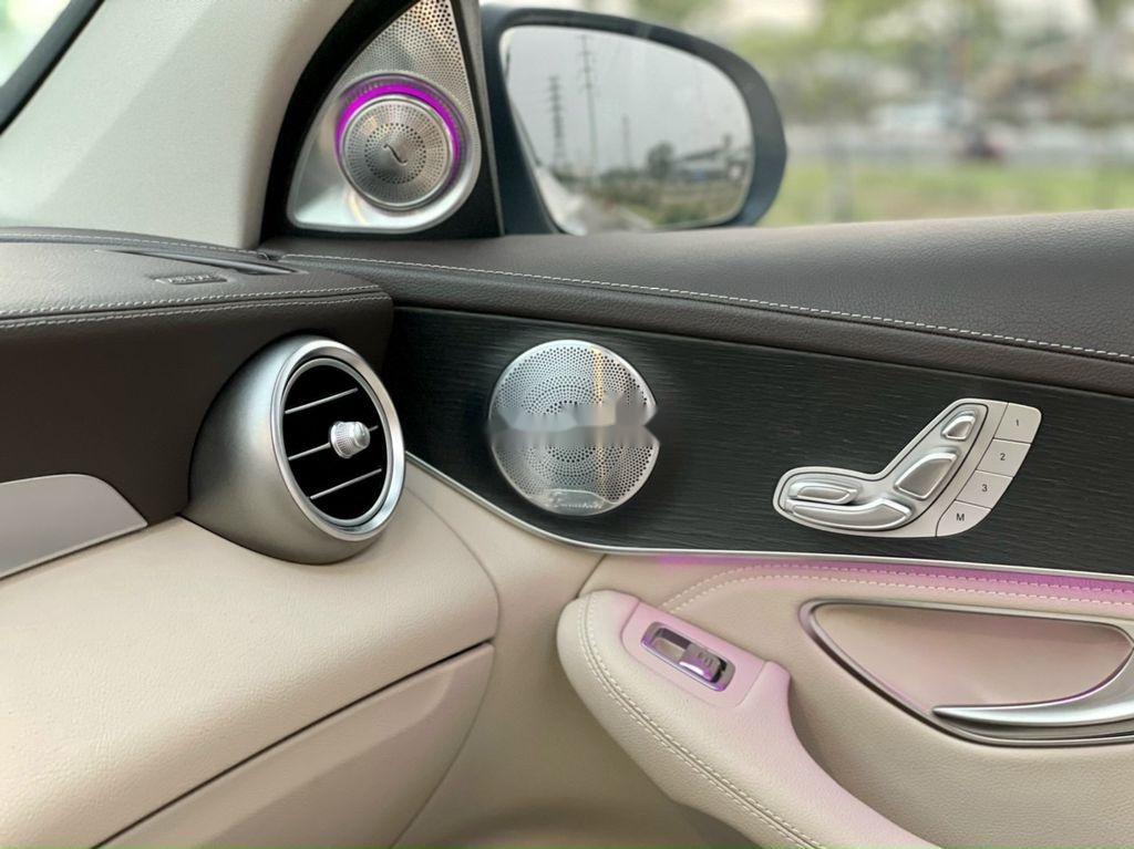 Bán Mercedes GLC-Class sản xuất 2020 còn mới (9)