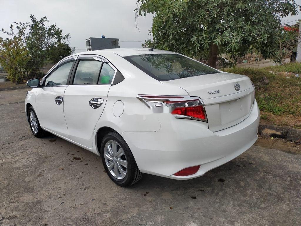 Xe Toyota Vios năm 2015 còn mới, 319tr (3)