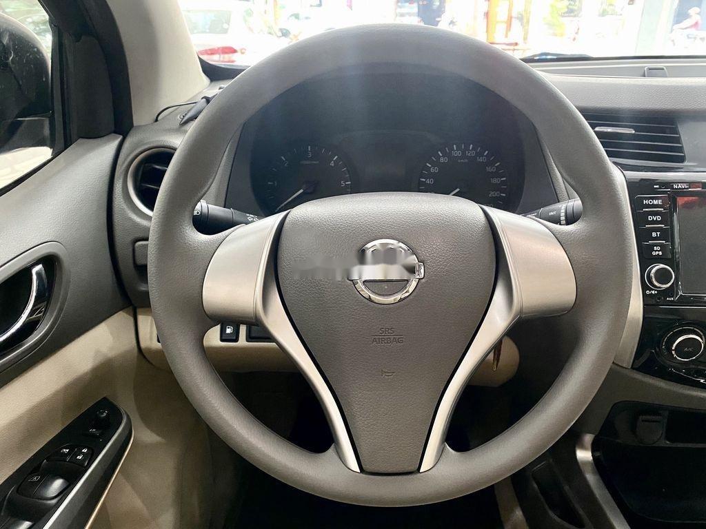 Cần bán xe Nissan Navara sản xuất 2017, nhập khẩu (8)