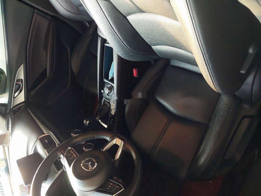 Bán Mazda 3 đời 2017, màu trắng chính chủ  (4)