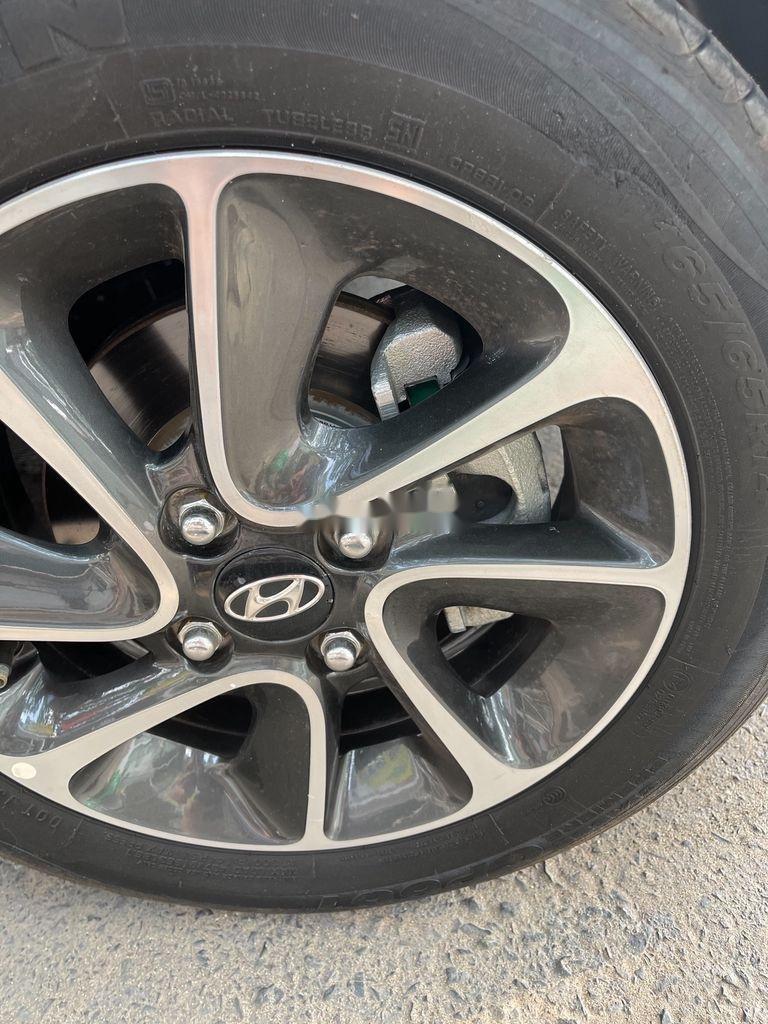 Bán Hyundai Grand i10 năm 2017 còn mới (10)