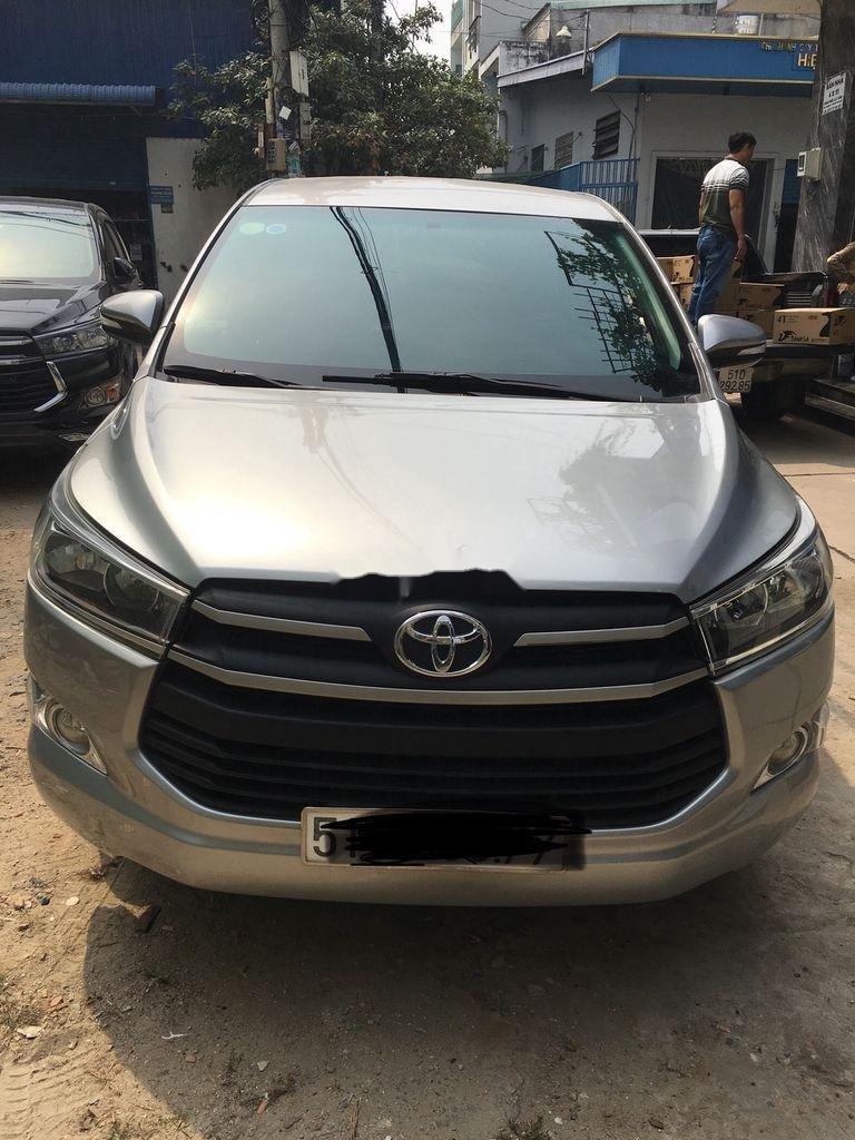 Bán Toyota Innova sản xuất 2017 còn mới (1)