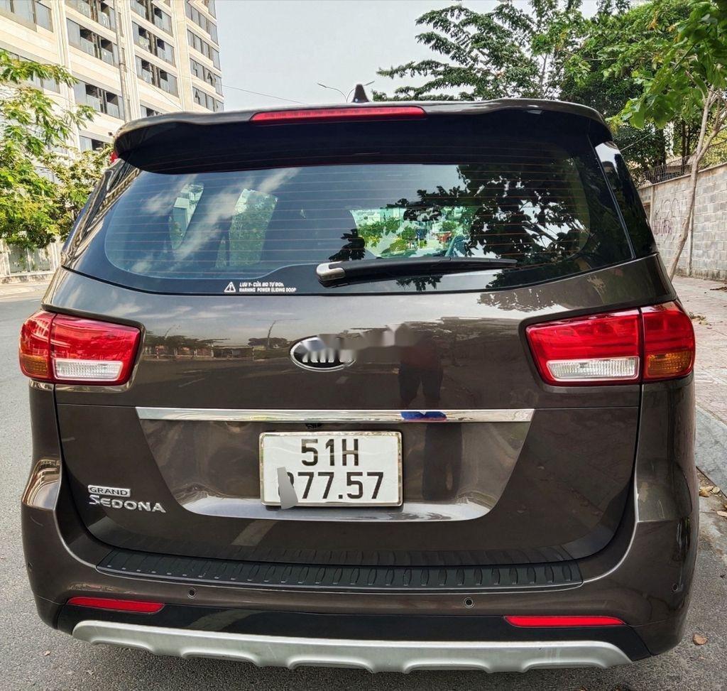 Bán xe Kia Sedona GATH năm sản xuất 2015, màu nâu, nhập khẩu  (3)