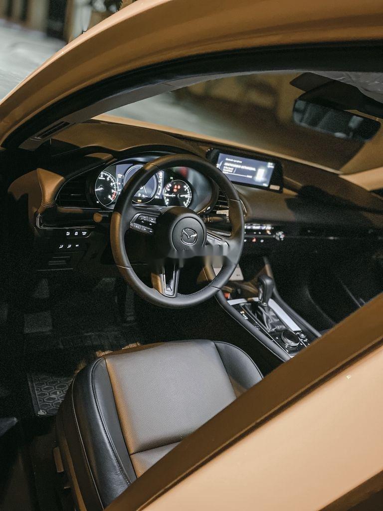 Cần bán lại xe Mazda 3 năm sản xuất 2020, nhập khẩu còn mới (4)