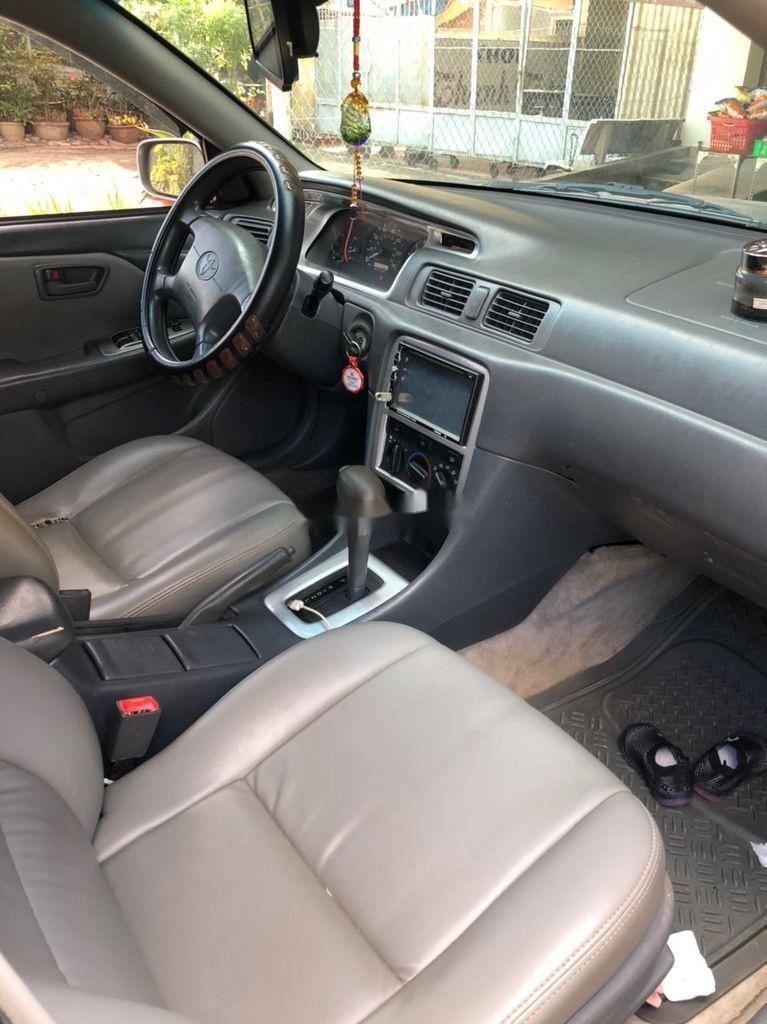 Cần bán Toyota Camry sản xuất 2000, xe nhập còn mới, giá 265tr (5)