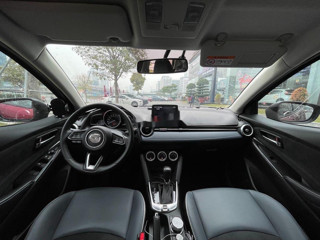 Xe Mazda 2 năm sản xuất 2020 còn mới (9)