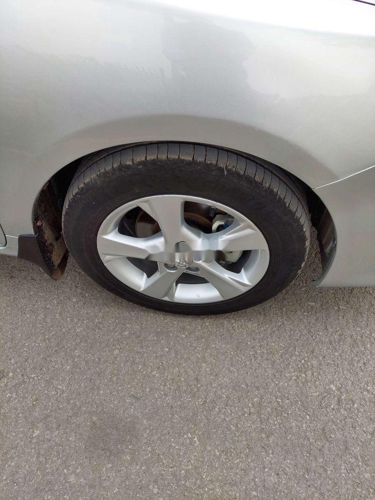 Cần bán xe Toyota Corolla Altis sản xuất năm 2012 còn mới (11)