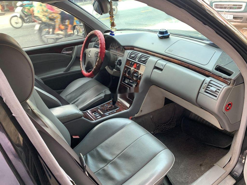 Xe Mercedes E class năm 2001, xe nhập còn mới, 142 triệu (6)