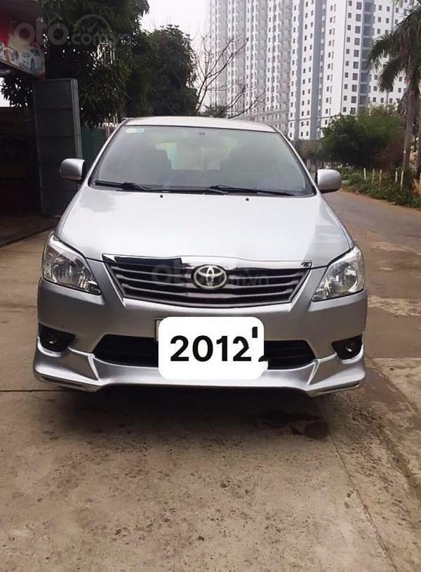 Bán ô tô Toyota Innova 2.0E đời 2012, màu bạc chính chủ, 358 triệu (3)