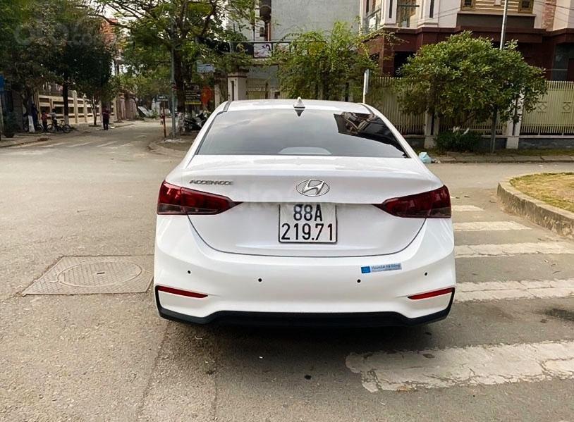 Xe Hyundai Accent năm sản xuất 2018, màu trắng chính chủ (2)